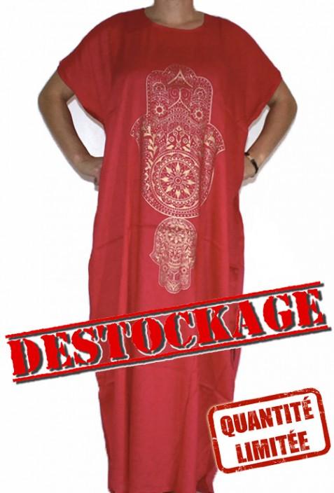 Mujer chilaba de color rojo mano de Fatma