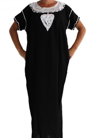 Djellaba black and white woman Casablanca