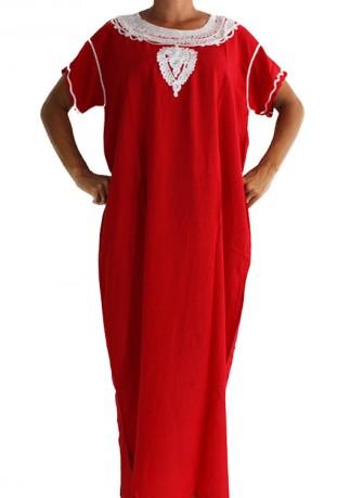 Mujer chilaba rojo Médina