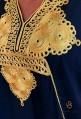 Caftán negro moderno para mujer con bordado dorado