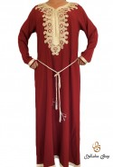 Moderner High-End-Kaftan in Burgund